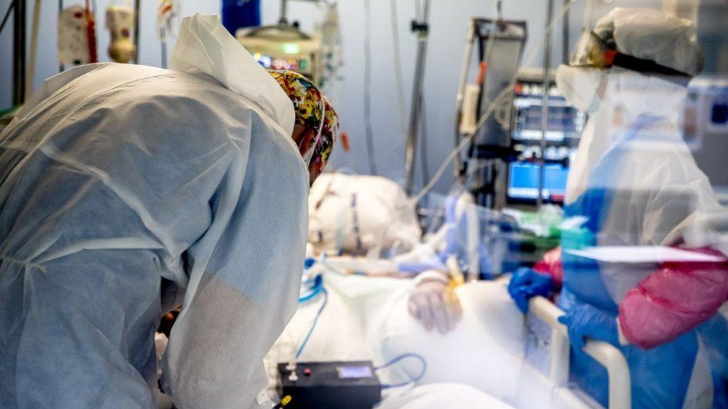Imagen de persona siendo asistida